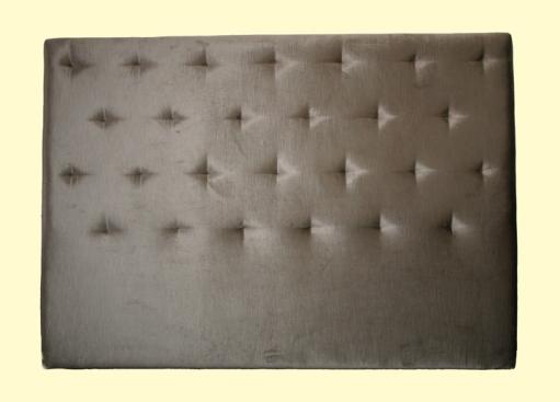 Respaldo cama tapizado con dibujo de rombos, sin botón con tirón escondido