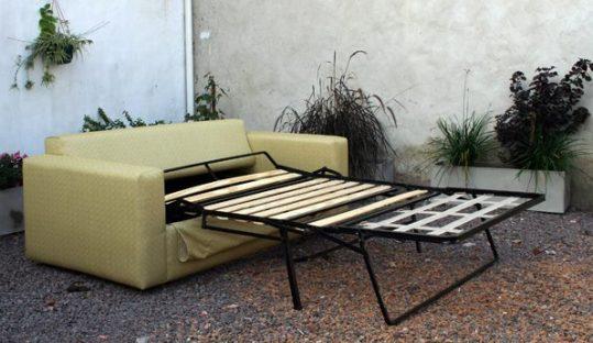 sofá cama modelo tano básico: (ídem Tano básico) con mecanismo cama plegable en 2 para colchón de 0.12 cm espesor.