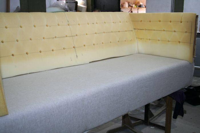 comienzo de tapizar por forrado de asiento con tela tapicería.